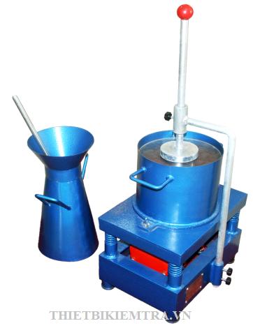 NHỚT KẾ VEBE là thiết bị dùng để thí nghiệm xác định độ cứng của hỗn hợp bê tông xi măng tươi. Độ cứng của hỗn hợp bê tông xi măng được xác định bằng thời gian để đầm phẳng, chặt một hỗn hợp bê tông hình nón cụt được tạo hình trong nhớt kế vebe.