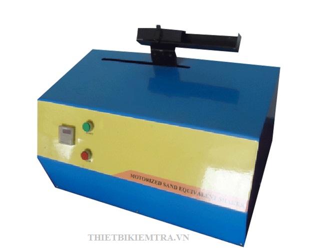 MÁY LẮC ĐƯƠNG LƯỢNG CÁT là thiết bị dùng lắc ống đương  cát, mục đích để ấn định tỷ lệ liên quan của đất giống đất sét hoặc nhựa và bụi trong đất có hột và sỏi nhỏ đã qua sàng 4.75mm trong các điều kiện xác định.