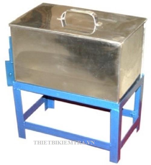 THÙNG HẤP MẪU XI MĂNG 20L là dụng cụ dùng để hấp (chưng) mẫu xi măng, có khay bên trong dùng để đặt mẫu thí nghiệm. Thùng hấp mẫu xi măng có dung tích 20 lít, do Việt Nam sản xuất. Thùng được làm bằng chất liệu INOX và giá đỡ được làm bằng thép cứng.