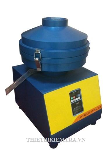 MÁY LY TÂM TÁCH NHỰA ( MÁY CHIẾT NHỰA) - 3000-VN là thiết bị dùng lực ly tâm để tách nhựa đường ra khỏi hỗn hợp.Máy ly tâm tách nhựa sản xuất tại Việt Nam, sử  dụng động cơ điện 1 pha – 220V thông dụng, khi vận  hành không tạo khí thải độc hại như động cơ đốt trong nên được đánh giá là rất thân thiện với môi trường, kiểu dáng đẹp, thiết kế gọn và dễ sử dụng, máy phù hợp với tiêu chuẩn việt nam và tiêu chuẩn quốc tế như TCVN, tiêu chuẩn ASTM, tiêu chuẩn AASHTO…