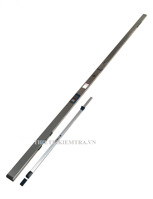 THƯỚC 3M ĐO ĐỘ VÕNG ( LOẠI GẤP KHÚC ) là dụng cụ dùng để xác kiểm tra, xác định độ võng của mặt đường hay độ bằng phẳng. Độ bằng phẳng là một chỉ tiêu quan trọng để đánh giá chất lượng của mặt đường (hay móng đường). Thước 3 mét đo độ bằng phẳng mặt đường