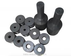 BỘ GÁ KÉO BULONG ( BU LÔNG ) được sử dụng cho máy kéo thép dùng để kéo các loại bulong trong thí nghiệm kiểm tra, đánh giá chất lượng bulong thép. Bộ gá kéo bulong được sản xuất tại Việt Nam bằng thép cứng đặc biệt và trải qua quá trình tôi luyện để đạt tới độ cứng thích hợp.