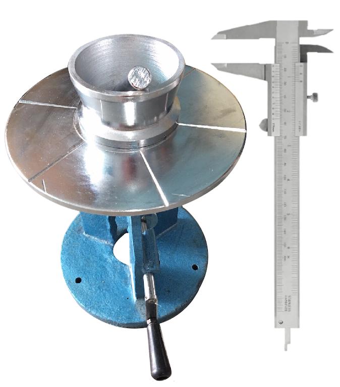 BÀN DẰN VỮA XI MĂNG QUAY TAY - VN là thiết bị dùng để xác định độ lưu động của vữa tươi bằng phương pháp bàn dằn. bàn dằn vữa xi măng với các chi tiết được mô tả như trên hình, khối lượng phần động của bàn dằn là 3250g + 100g.